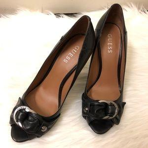 Guess peep toe heels 👠